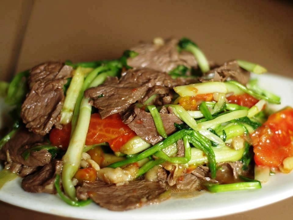 Thịt bò xào cần tỏi