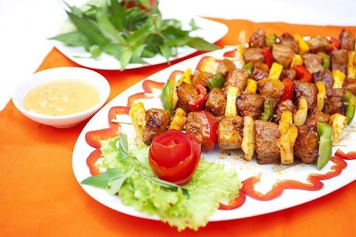 Salad thịt nướng